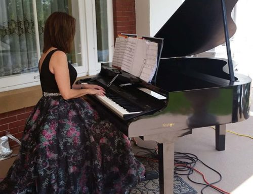 What You Need To Know If You Are Thinking of Having a Pianist At Your Outdoor Event